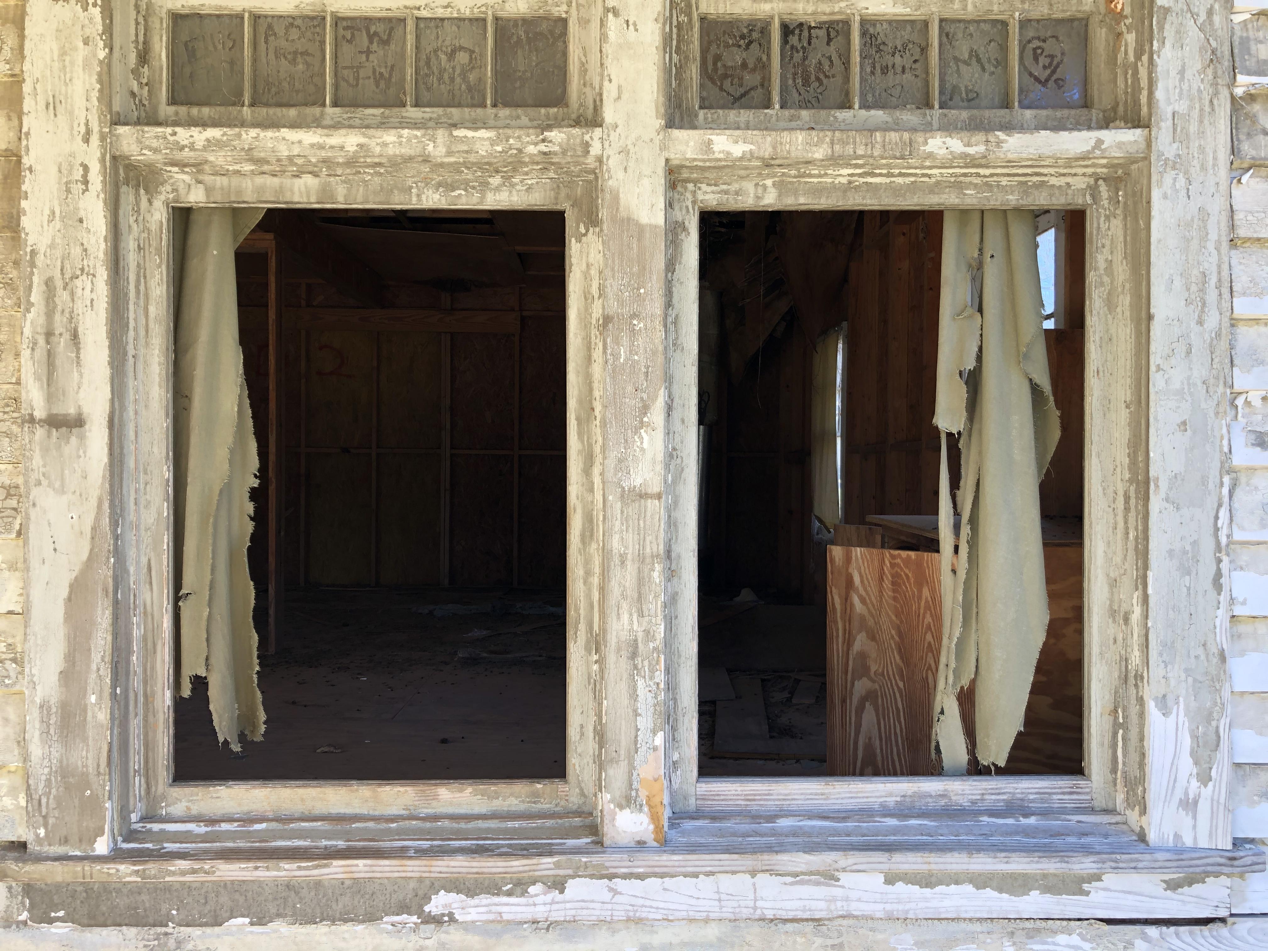 Windows iTown of Spectre Alabama